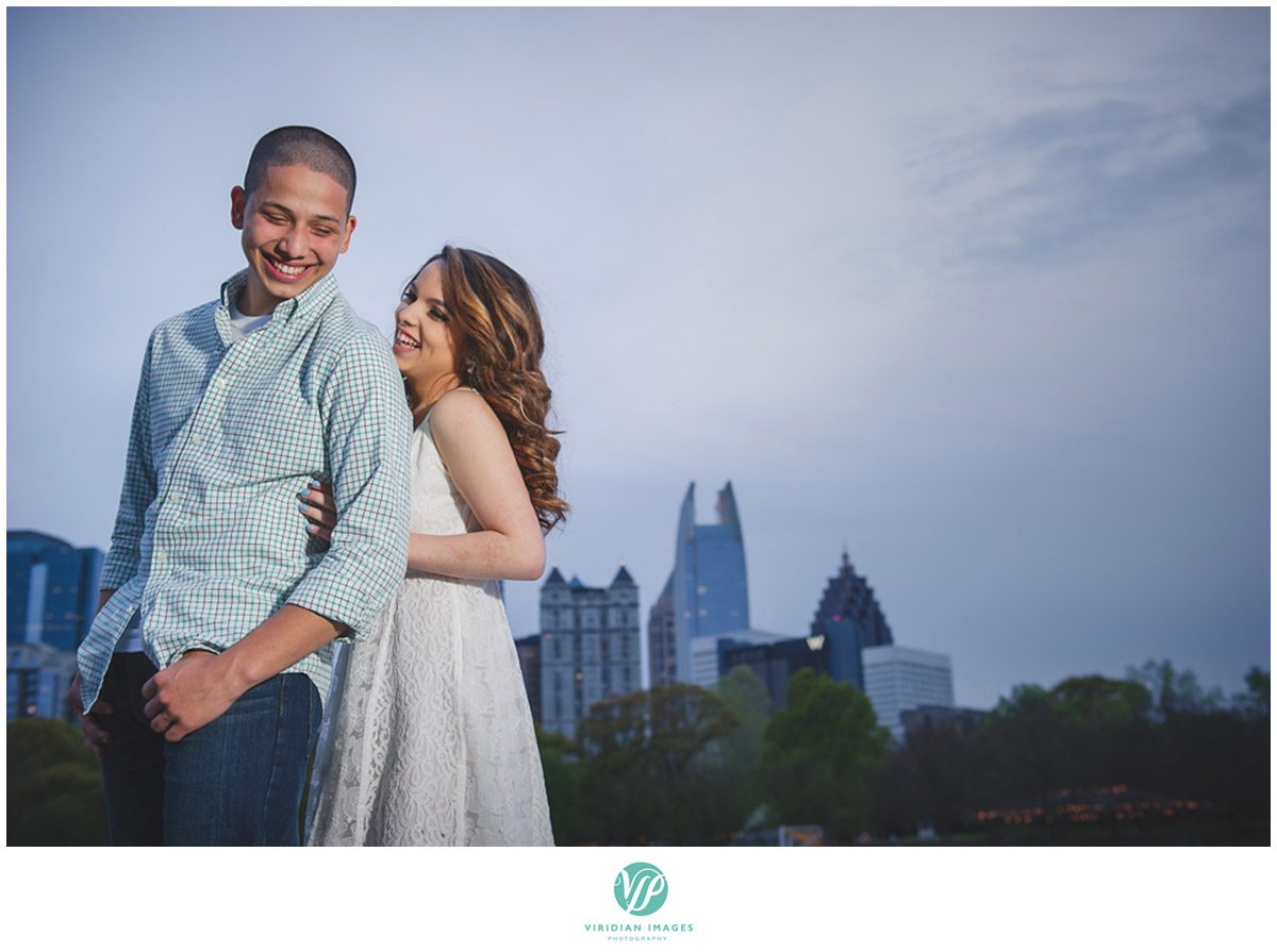 atlanta-skyline-engaement-photo