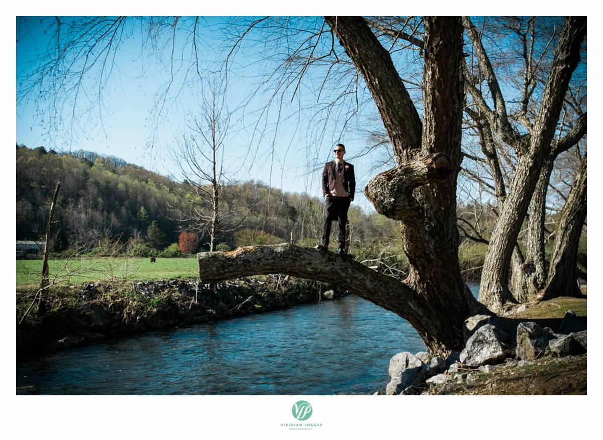 Retreat-at-Hiawassee-river-wedding-Viridian-Images-Photography 15